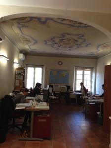 uffici operativi e decorazioni a soffitto